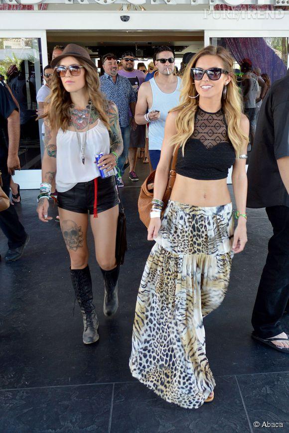 Coachella 2014 : Audrina Patridge porte le cropped top façon bohème avec une jupe longue à imprimé léopard.