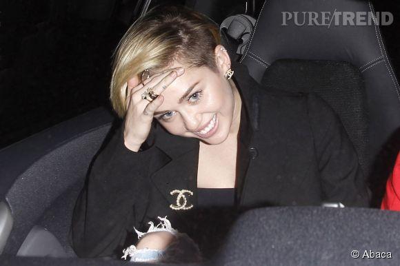 Les raisons de l'hospitalisation de Miley Cyrus seraient plus nuancées que la version officielle.