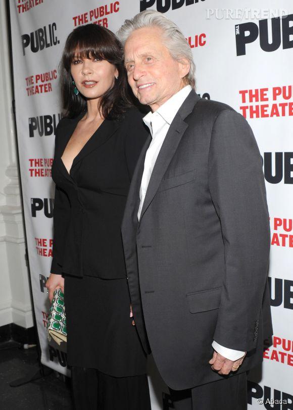 Catherine Zeta-Jones et Michael Douglas, très amoureux le 16 avril 2014 à New-York pour l'avant-première de la pièce The Library.