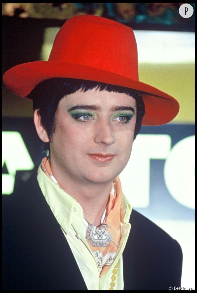 boy george adopte une coupe la noel gallagher en 1995