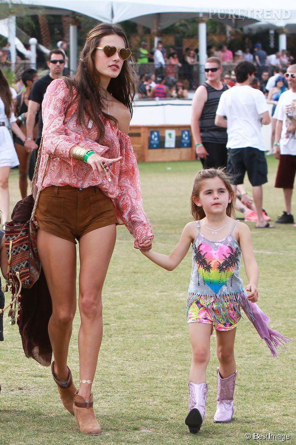 Alessandra Ambrosio et sa fille Anja, 5 ans, au festival de Coachella le samedi 19 avril 2014.