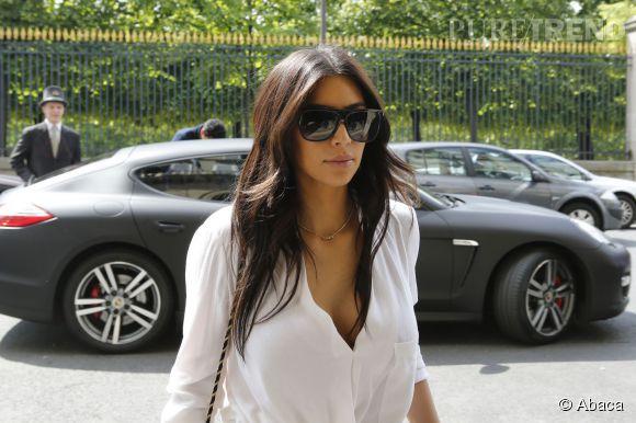 Kim Kardashian arrive à Paris le 30 avril 2014.