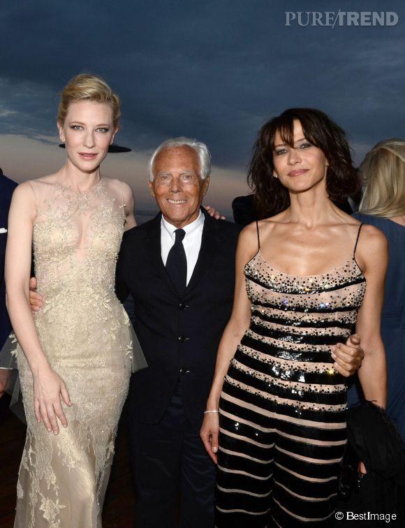 Sophie Marceau prend la pose avec Cate Blanchett et Giorgio Armani à la soirée Vanity Fair à l'hôtel Cap Eden-Roc de Cannes le 17 mai 2014.