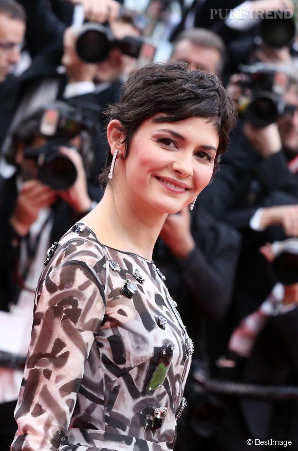 """Audrey Tautou prouve que la coupe courte peut être glam et féminine lors de la montée des marches du film """"Grace de Monaco"""" pour l'ouverture du 67 ème Festival du film de Cannes, le 14 mai 2014."""