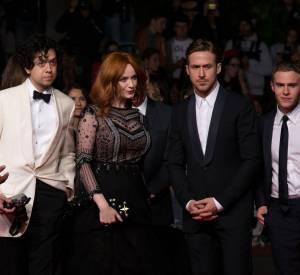 """Geoffrey Arend, Christina Hendricks, Ryan Gosling et Iain De Caestecker à la montée des marches pour le film """"Lost River"""", mardi 20 mai 2014."""