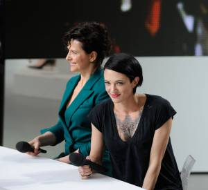 Asia Argento et Juliette Binoche au Grand Journal le 22 mai 2014.