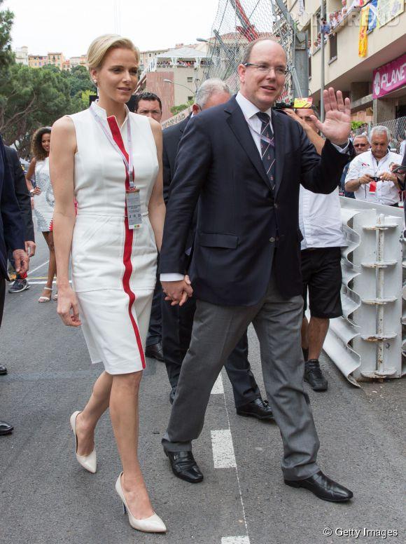 Charlène et le prince Albert, amoureux main dans la main au Grand prix de Monaco le 25 mai 2014.