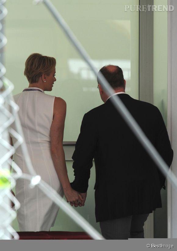 La princesse de Monaco et Albert sont désormais bien loin des rumeurs qui les voulaient en conflit ! Ici au GP de Monaco 2014, ils sont plus proches que jamais.