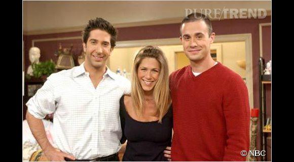David Schwimmer, l'inoubliable Ross Geller de la série Friends. ici sur le tournage avec Jennifer Aniston et Freddie Prince Junior.