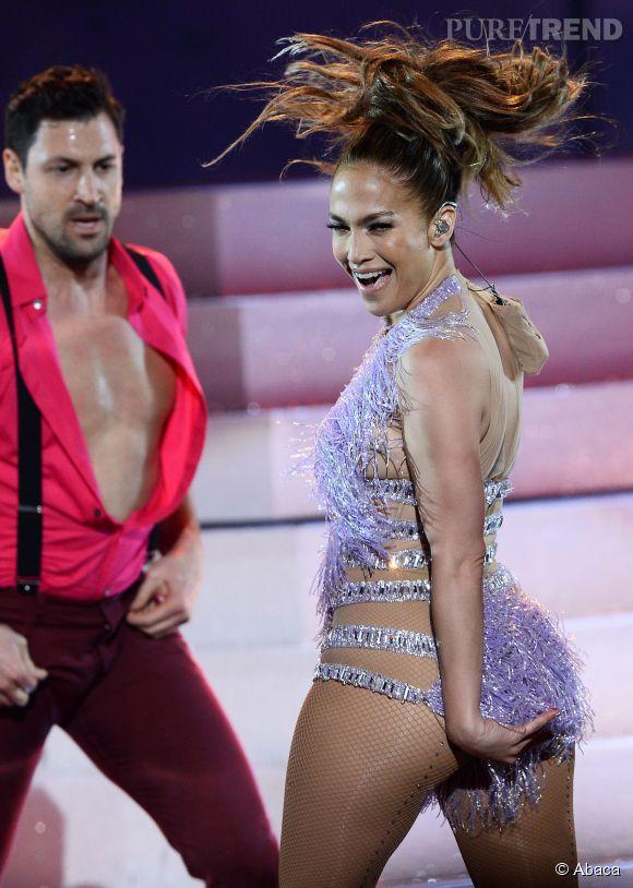 Jennifer Lopez et Maksim Chmerkovskiy lors des AMA 2013.