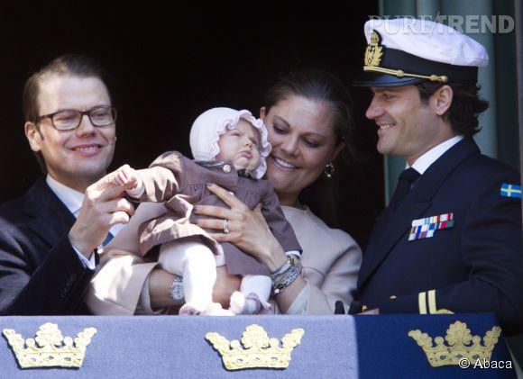 Daniel Westling, la Princesse Estelle, la Princesse Vuictoria de Suède et Carl Philip de Suède en 2012.