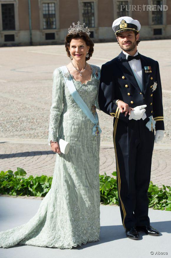 La Reine Silvia de Suède et Carl Philip de Suède en 2013.