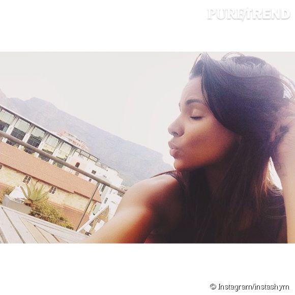 Shy'm, nouvelle récidive de la part de la chanteuse sur Instagram, elle s'exhibe en bikini et prend la pose lascive.