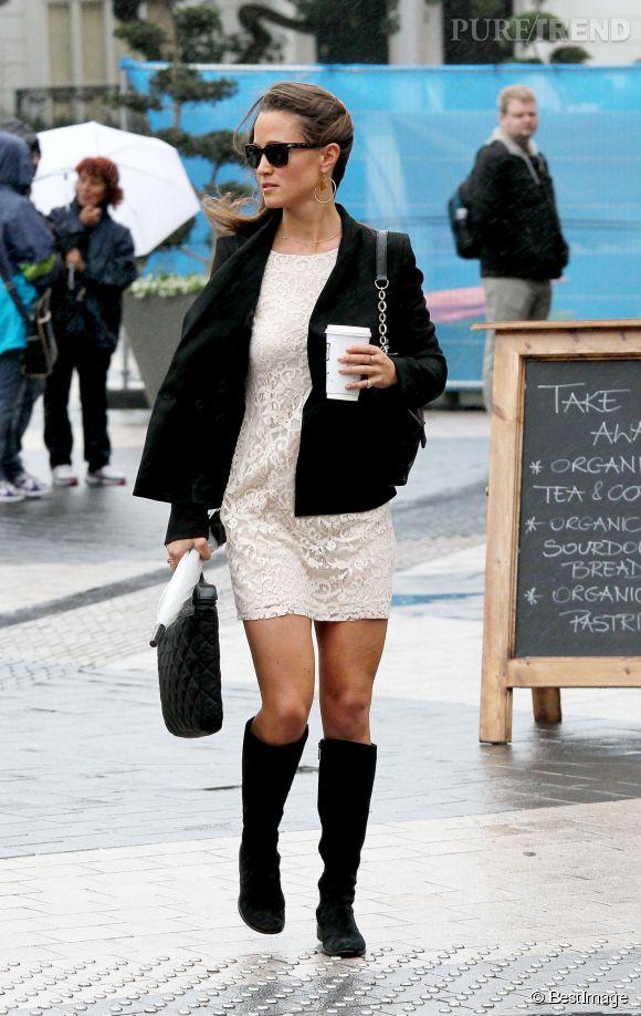 Pippa Middleton encore un peu plus sexy avec une robe en dentelle et des bottes hautes - Puretrend