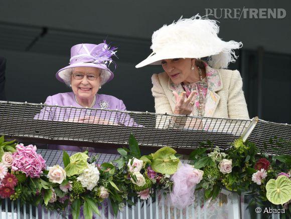 La Reine Elizabeth II et la Princesse Michael of Kent étaient invitées à l'anniversaire du Prince George ce 22 juillet 2014 à Kensington Palace.
