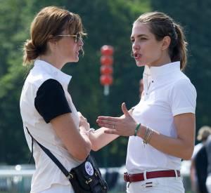 Charlotte Casiraghi et Marina Hands se sont arrêtées pour discuter, lors d'une compétition qui avait lieu à l'hippodrome de Chantilly ce week-end.