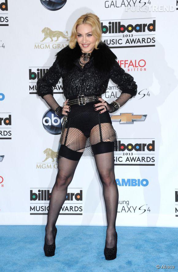 Madonna ose le porte-jartelle passé 50 ans. Et pourquoi pas ?