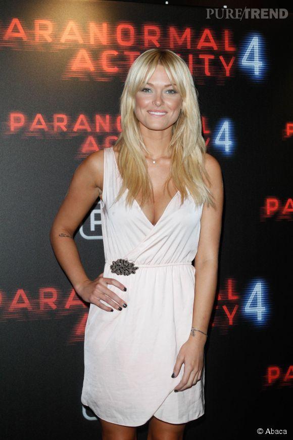 Caroline Receveur, habillée sur red carpet, sur Instagram, c'est plutôt l'inverse...