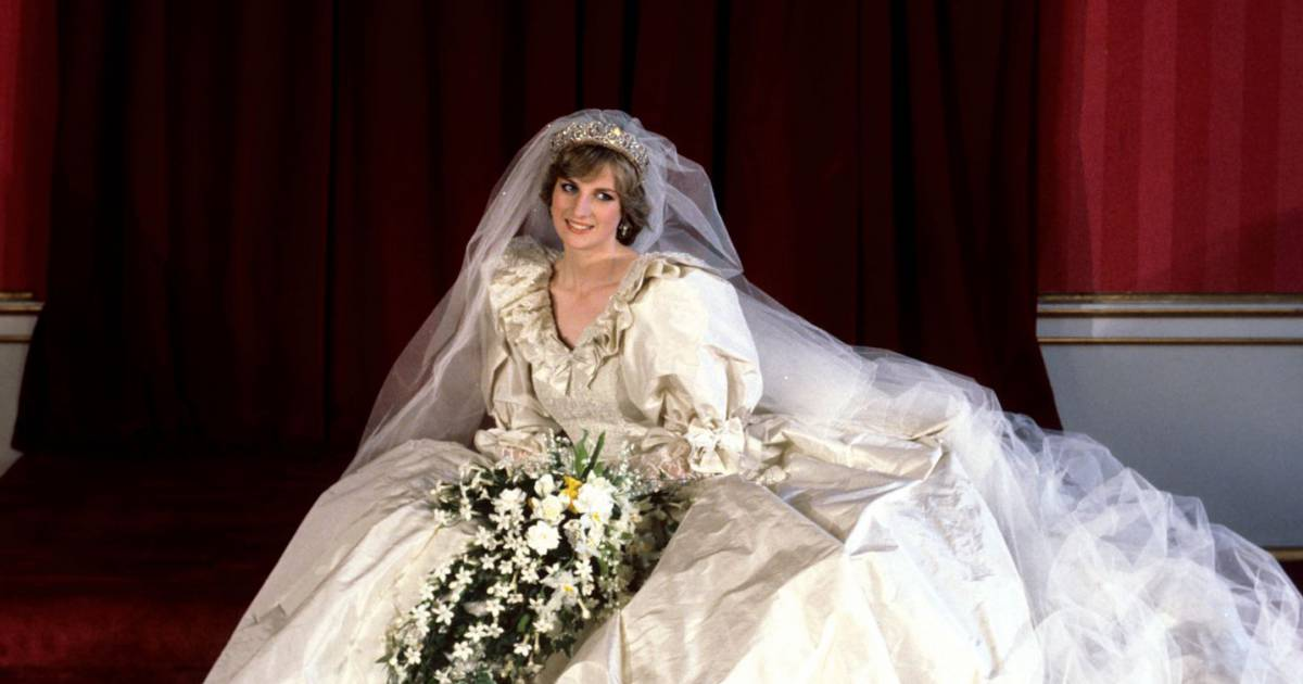 Lady Diana : 17 ans après sa mort, sa robe