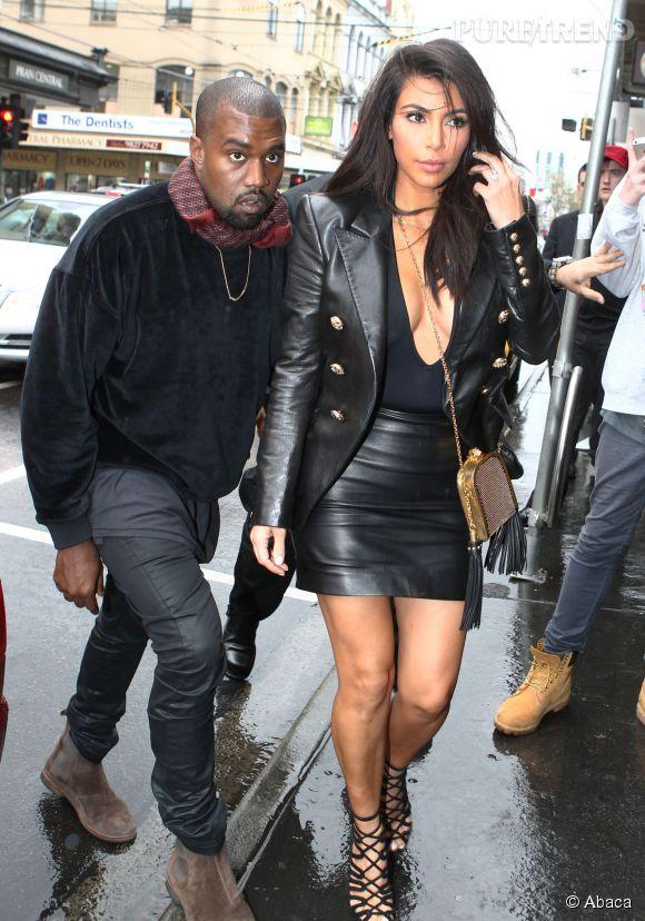 Kim Kardashian et son décolleté de folie à Melbourne.