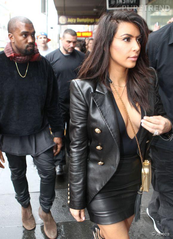 Pas de soutif pour Kim !