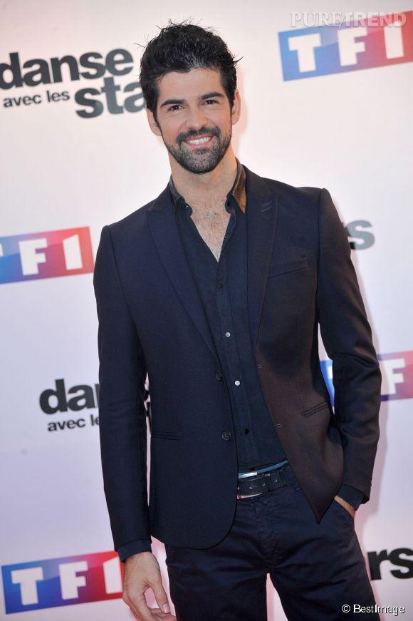 """Miguel Angel Munoz conquis par sa partenaire de danse, Fauve Hautot, pour """"Danse avec les stars"""" saison 5 : il se confie à Télé Loisirs."""