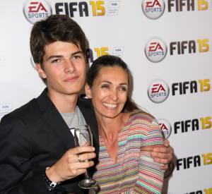 Adeline Blondieau est venue au lancement du jeu FIFA 15 accompagnée de son fils, Aïtor, 15 ans.