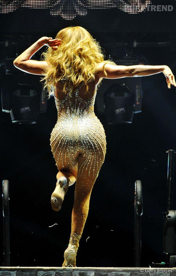 Jennifer Lopez et son booty sont de retour.