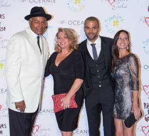 Tony Parker et Axelle Francine ont posé aux côtés des parents du basketteur.