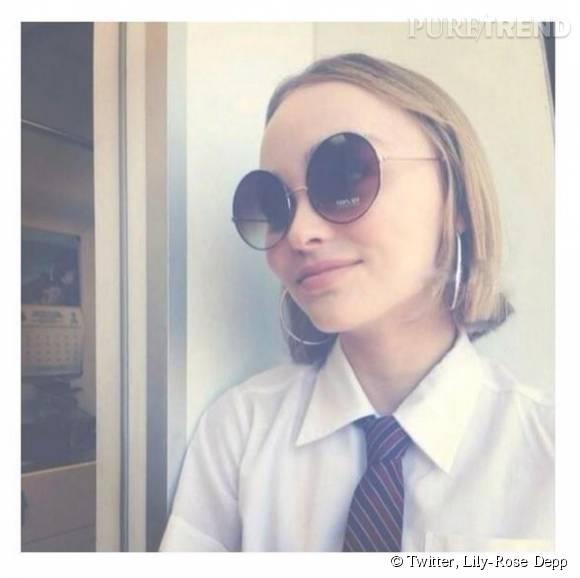 Les enfants des stars à suivre sur les réseaux sociaux ! Ici, la jolie Lily-Rose Depp qui se met en scène dans des selfies craquants...