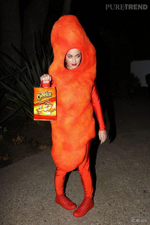 Katy Perry se transforme en Cheetos pour Halloween.