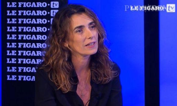 Mademoiselle Agnès sur le plateau du Figaro TV.