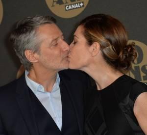 Antoine de Caunes et Daphné Roulier à la soirée des 30 ans de Canal+ au Palais de Tokyo.