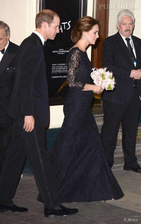 Kate Middleton et le prince William assiste à la Royal Variety Performance au Palladium Theatre de Londres le 13 novembre 2014.