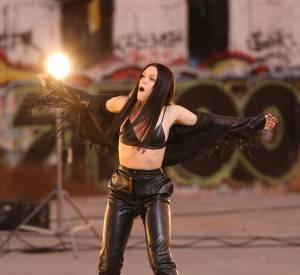 """Jessie J, toujours plus sexy : elle est en total look cuir pour le clip de """"Masterpiece""""."""