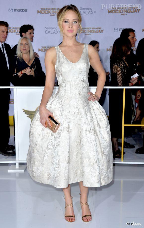 """Jennifer Lawrence en Christian Dior à l'avant-première de """"Hunger Games, la révolte Partie 1"""""""