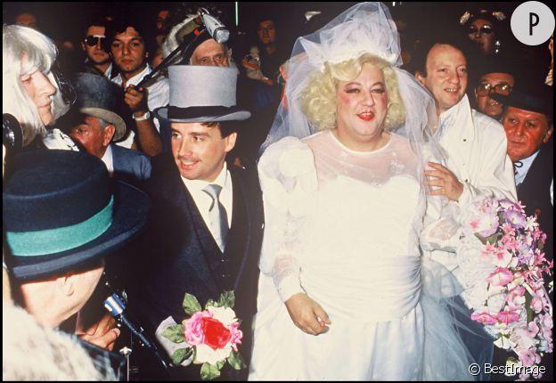 Mariage de Coluche et de Thierry Le Luron en 1985.