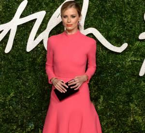 Laura Bailey sculpturale en robe Emilia Wickstead aux British Fashion Awards 2014 à Londres le 1 décembre 2014.