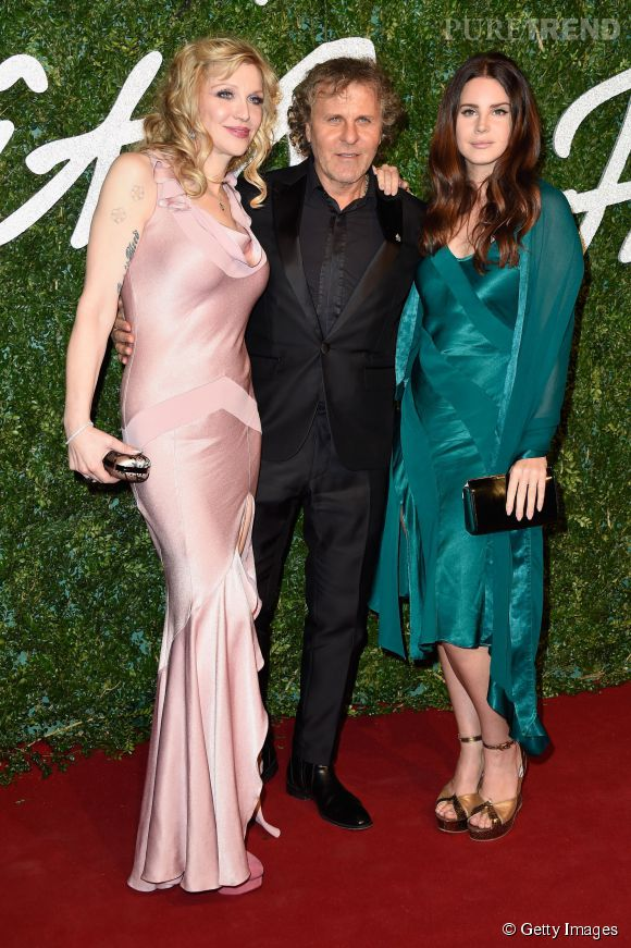 Courtney Love et Lana Del Rey aux côtés de Renzo Rosso aux British Fashion Awards 2014 à Londres le 1er décembre 2014.