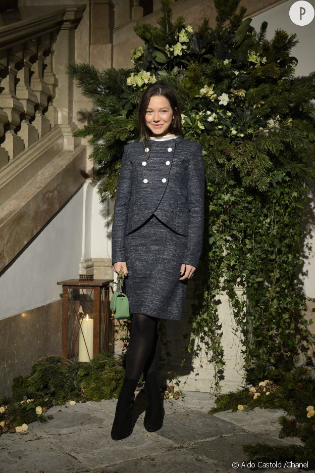 Hannah Herzsprung au défilé des Métiers d'art de Chanel, Paris-Salzburg 2014/2015.