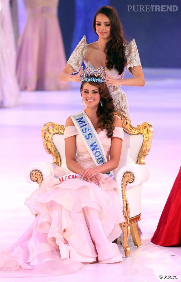 Megan Young, Miss World 2013, couronne Rolene Strauss, Miss Monde 2015.