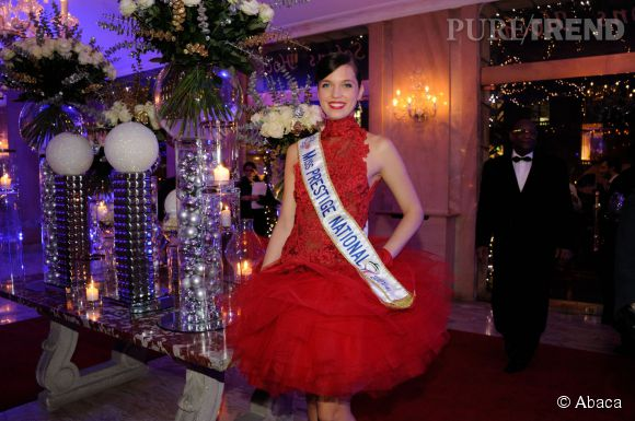 "Marie-Laure Cornu alias Miss Prestige National 2014 lors des ""Best Awards"" le 15 décembre 2014 à Paris."