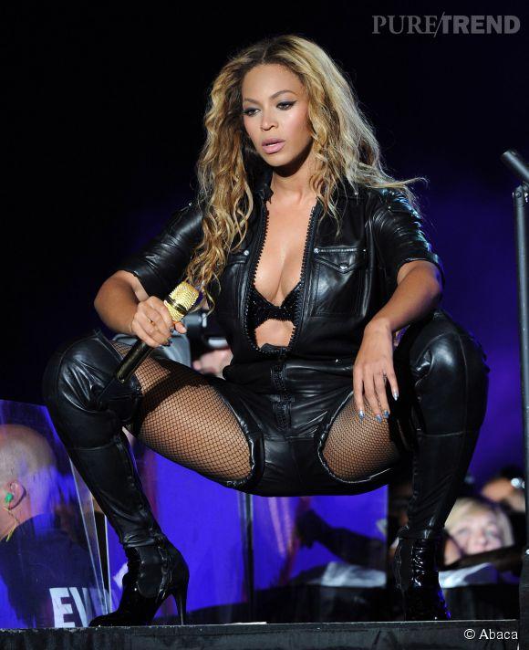 Beyoncé se dit féministe mais véhicule une image hypersexualisée.