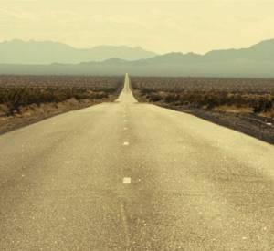 "Bande annonce du film ""On the road"" avec Kristen Stewart, Garrett Hedlund et Sam Riley."