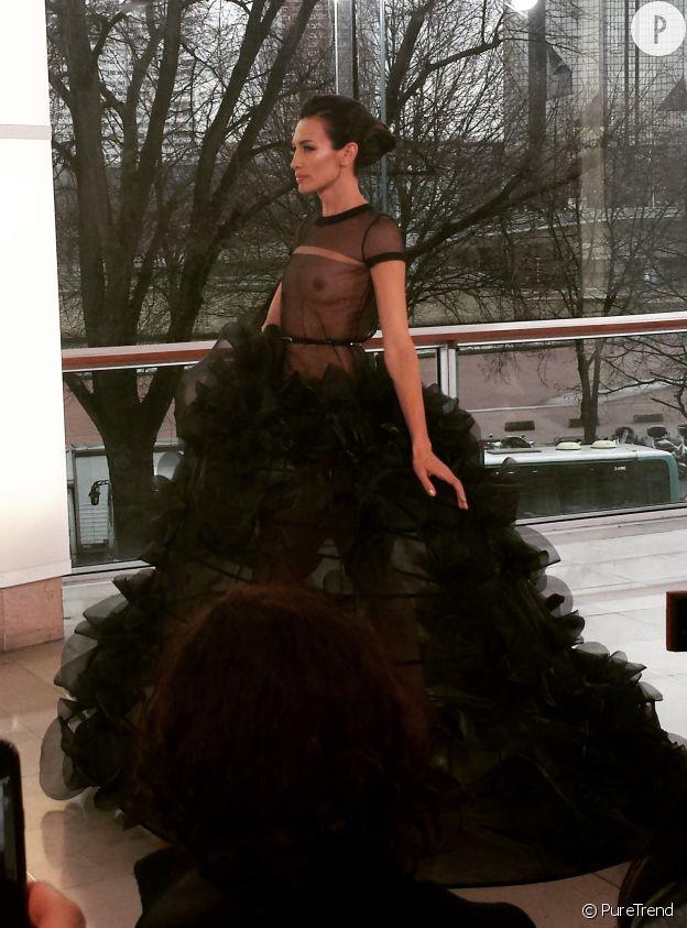 Au défilé Haute Couture Printemps-Été 2015 de Stéphane Rolland.