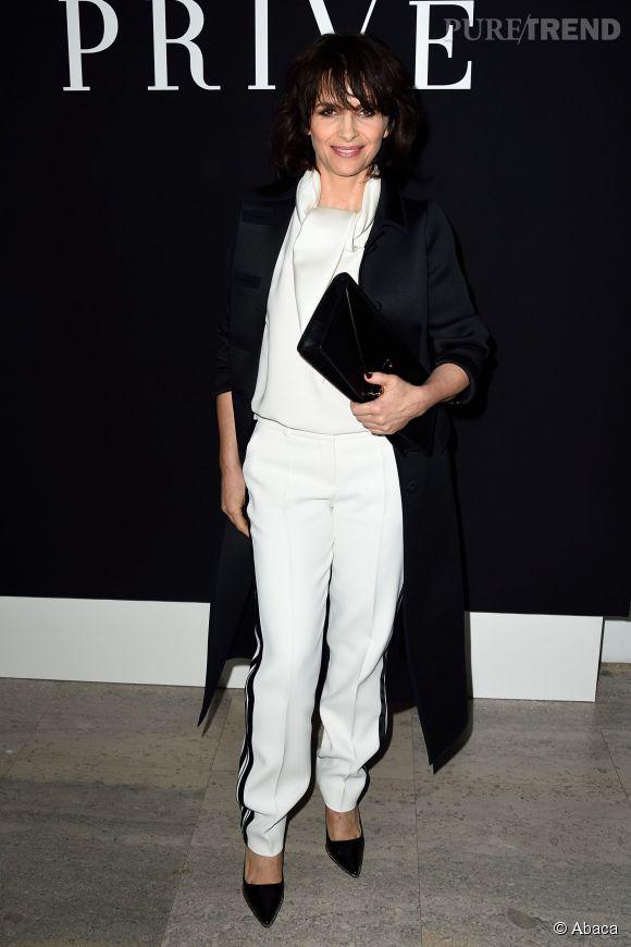 Juliette Binoche, inconditionnelle du look noir et blanc.