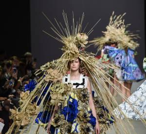 La collection spectaculaire de Viktor & Rolf pour le défilé Haute Couture printemps-été 2015.
