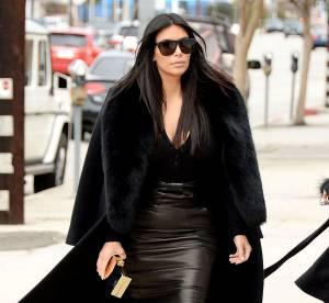 Kim Kardashian : jupe en cuir et décolleté qui tue avant le Super Bowl