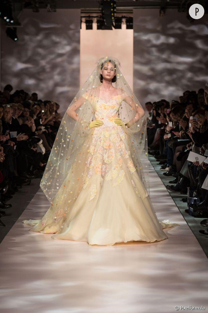 Les plus belles robes de mari es printemps et 2015 for Prix de robe de mariage en or georges chakra