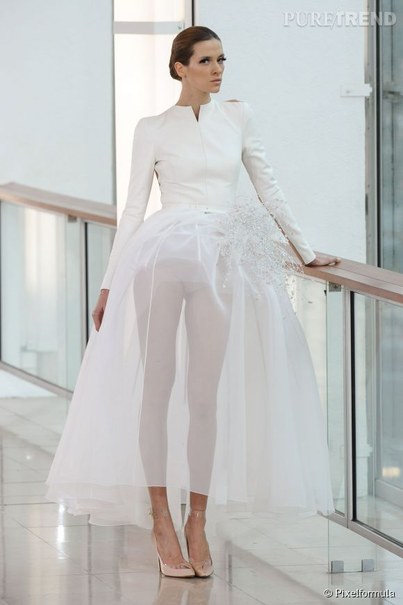 les plus belles robes de mari es printemps et 2015 look chic et moderne chez st phane rolland. Black Bedroom Furniture Sets. Home Design Ideas